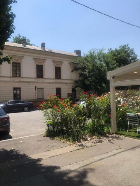 Vanzare 2 camere, terasa, garaj, boxa, fitness, spa, paza 24h, metrou Victoriei