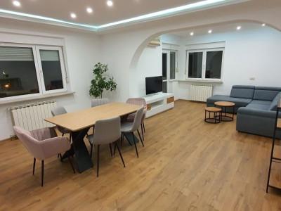 Inchiriere apartament spatios 4 camere, modern, renovat, metrou, Piata Victoriei