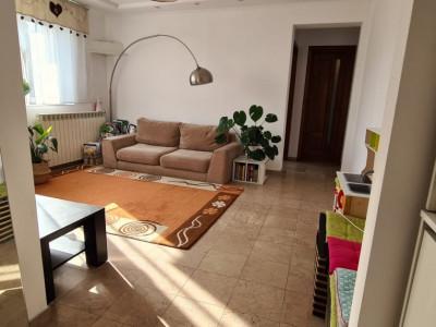 Apartament modern, renovat, 3 camere de vanzare langa metrou 1 Mai